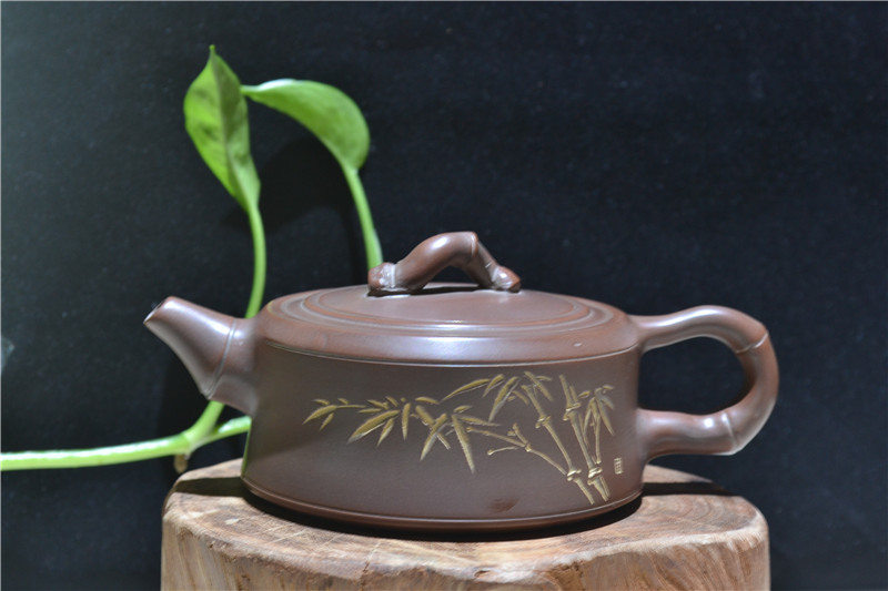 坭兴陶艺术陶器的自然装饰和人文装饰
